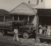 Peach loading dock Alto July 1938